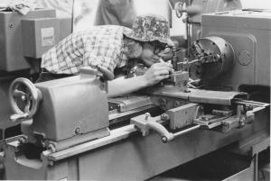 3machine tool student